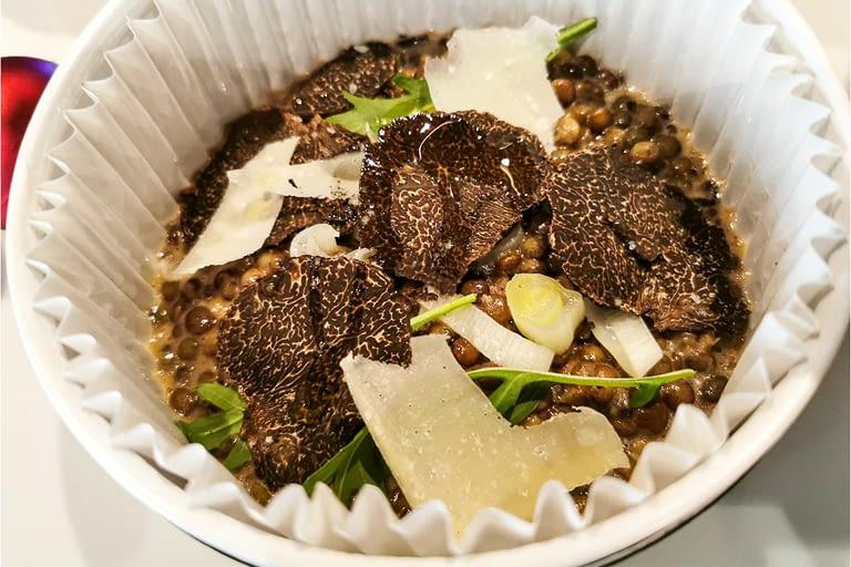 Salade de lentilles du Puy, lamelles de truffes 1200 x 800.jpg